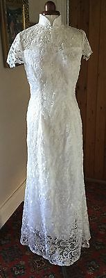 VINTAGE STYLE LACE WEDDING DRESS - 34 ins BUST APPROX