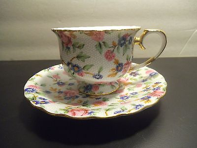 Collectible Two's Company Floral Gold Tone Scalloped Edge Teacup and Saucer