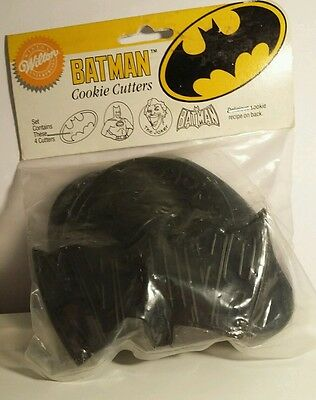 Vtg Wilton Batman DC comics set 4 cookie cutters 1989 New Joker Batman movie toy