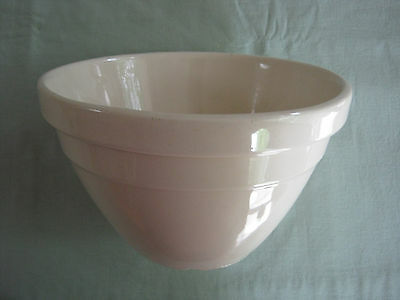 Vintage HOFFMAN No 18 Pottery Mixing Bowl. Made in Australia. VGC