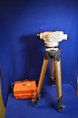 Sokkia B1 Precision Automatic Level With Case and Woods Tripod