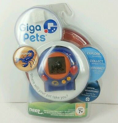 New in Package Giga Pets Scoprion Tiger Games Hasbro ©2006 Batteries Included