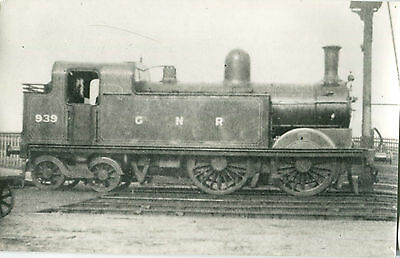 Postcard size photograph Great Northern Railway GNR G Class 0-4-4T loco No 939