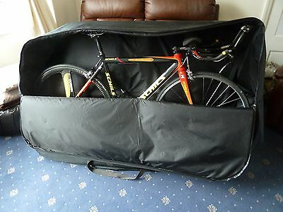 Padded and lined Luxury full size bike bag