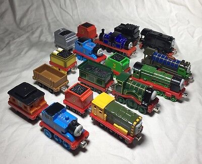 Thomas & Friends Diecast Magnetic Take Along Trains Tenders Lot Of 17