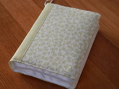 New World Translation 2013 Zipped Fabric Bible Cover - White & Green