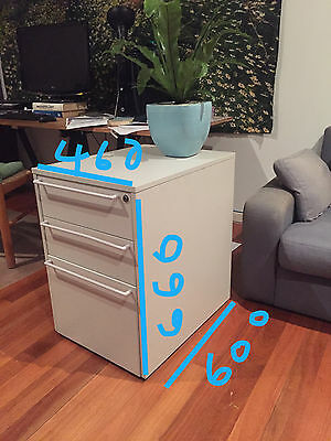 Grey filing cabinet 3 drawers wheels