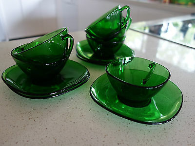 VINTAGE RETRO 60s  ! FRENCH GREEN GLASS CUPS x 5