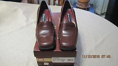 Etienne Aigner Status Womens Burgandy Leather Heel Loafer Shoe - Size 7M