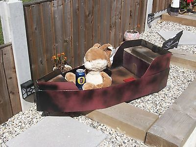 wooden boat pirate/gdn planter/photo prop/gdn shop display/ small scale
