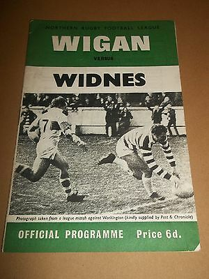 Wigan V Widnes Rugby League Programme 1970 ~ Very Good Condition