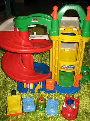 Fisher Price Little People Car Ramp Service Station