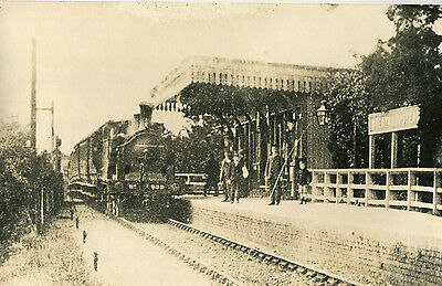 Postcard size photograph Great Northern Railway GNR G Class 0-4-4T loco No 932