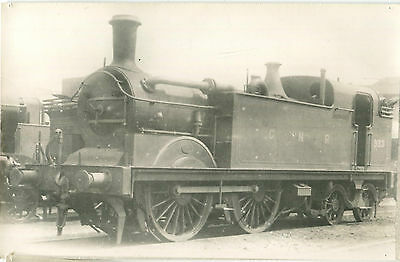 Postcard size photograph Great Northern Railway GNR G Class 0-4-4T loco No 933