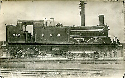 Postcard size photograph Great Northern Railway GNR G Class 0-4-4T loco No 942.