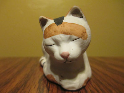 TABBY  Cat Figurine SILVESTRI Mary Lake Thompson Porcelain Bisque Calico