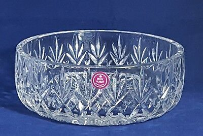 Beautiful Quality Cut Glass / Crystal Large Bowl by Royal Albert. Diameter: 20cm