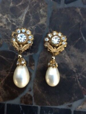 Auth Vintage CHANEL Gripoix Crystal Flower Large Pearl Drop Earrings