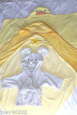 LOT 4 Infant Baby Toddler Hooded Bath Robe - Towel, Wrap MOUSE, DUCK Cartoon Bee