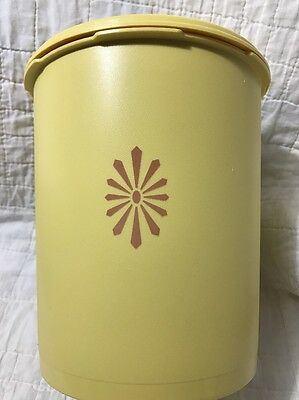 Vintage Tupperware Servalier Large Canister  #807-7 Yellow Gold