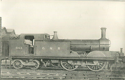Postcard size photograph Great Northern Railway GNR G Class 0-4-4T loco No 943