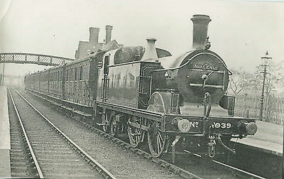 Postcard size photograph Great Northern Railway GNR G Class 0-4-4T loco No 939..