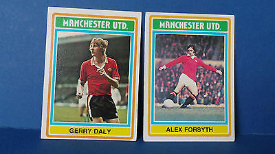 2 x Topps Chewing Gum Cards Manchester United Football Club 1975/76 Blue Back