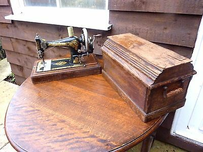 Vintage Singer 28K Sewing Machine 1909 Coffin Cased Great Condition Collectable