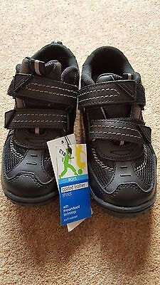 New With Tags M&s Boys Black Coated Leather School Shoes Size 11.5 Uk Velcro