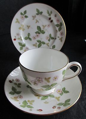 Wedgwood Wild Strawberry Trio