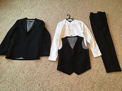 BOYS DINNER SUIT 3 PIECE and SHIRT size 11-12 years worn once