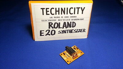 Roland E 20  Synthesizer - Headphone Board - Conector De Auricular  - Tested