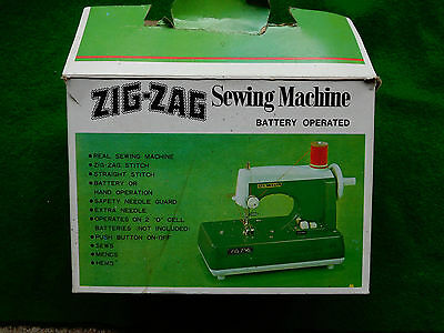 """Vintage """"SEW-ETTE"""" battery operated Zig-zag toy machine JAPAN"""