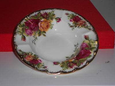 Royal Albert Fluted Edge  Round Dish Old Country Roses under marked mint con: