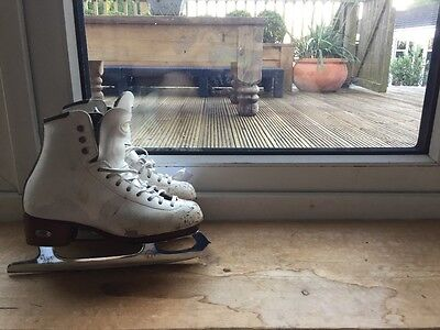 Girls Riedell Ice Skates size 1.5