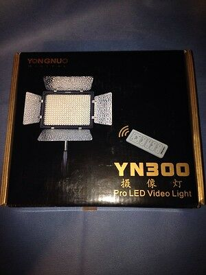 YongNuo LED  lighting YN-300 for DV Camcorder Video for Canon Pentax Cameras