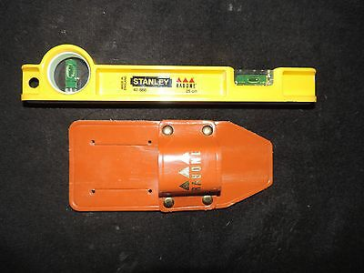 Stanley 25cm Scaffolders Level and Leather Holder