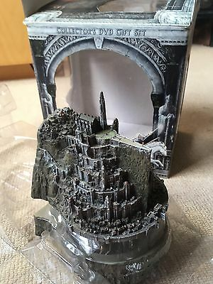 Lord Of The Rings Return Of The king Osgiliath Statue Box