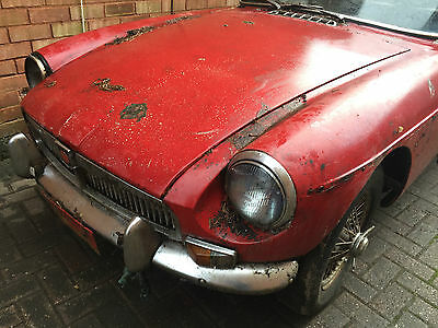 1969 MG B GT MGBGT Mk2 Restoration Project Donor Car Spares Repair Wire Wheel