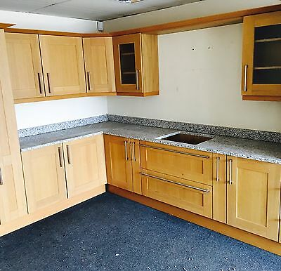 Ex Display. Shaker Style Kitchen Units.. With Grannite Work Top.