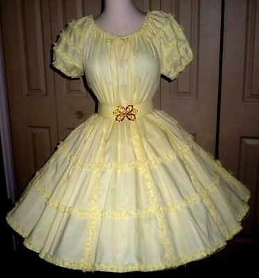 O23 - NEW - VERY LACY Partners Please yellow square dance skirt & blouse + belt
