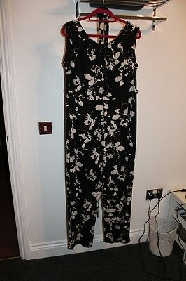 Lovely Jersey Jumpsuit - Black With Beige Print - Size 20