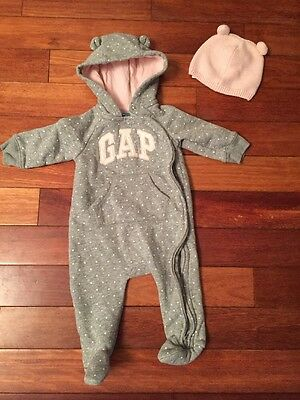 Baby Gap 3-6 Months Girl Suit And Hat
