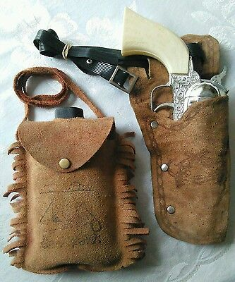 *L@@K* Vintage Pony Boy Cap Gun & Drinking Canteen With Genuine Leather Holsters