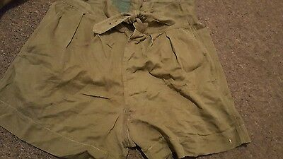 Military Vintage mens  green shorts 1954  F Fryer  & Co  size 6