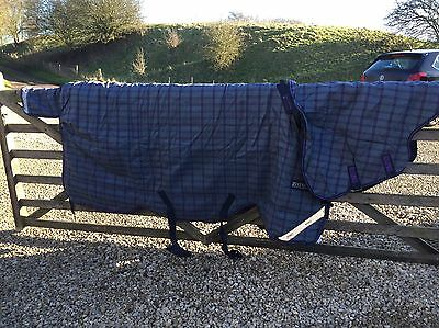 """6'9"""" Horseware Rhino Heavyweight Turnout Rug With Neck. Tried On Once"""
