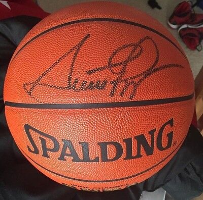 Scottie Pippen Autographed Basketball Chicago Bulls