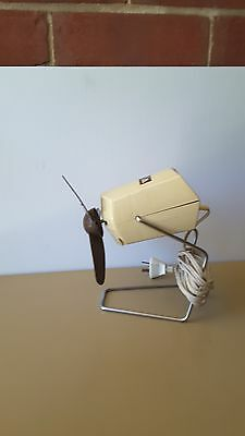 Vintage Retro C1970's Wernard Personel Desk / Table Fan - Works Perfectly