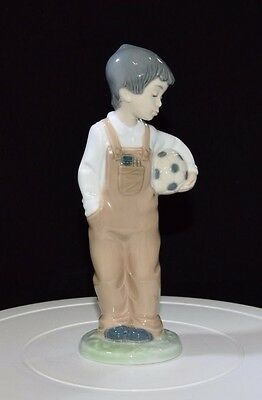 Lovely Nao By Lladro Figurine - 'wanna Play'