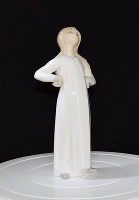 Retired Lladro Figurine 'girl With Hands Akimbo' No. 4872